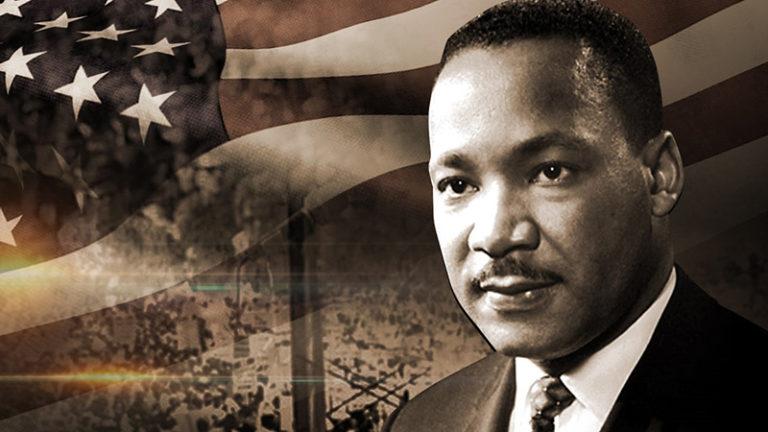 مارتین لوتر کینگ جونیور رهبر جنبش حقوق مدنی آمریکاییهای آفریقایی تبار بود