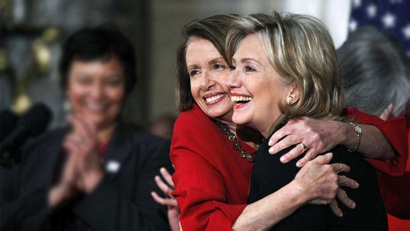 هیلاری کلینتون و نانسی پلوسی ، رهبر دموکراتها در مجلس نمایندگان آمریکا