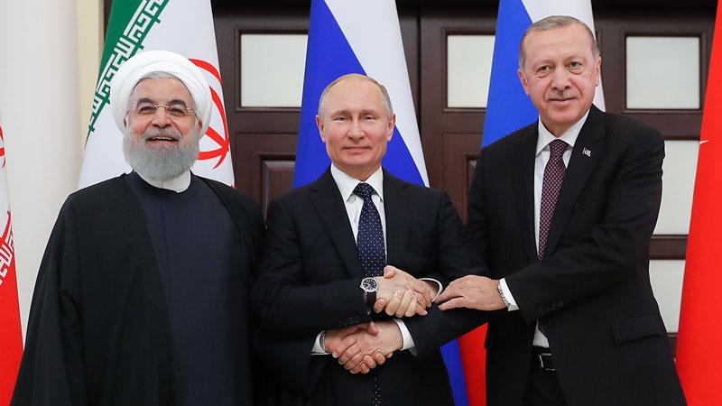 حسن روحانی رئیس جمهور رژیم تروریستی ایران و رجب طیب اردوغان رئیس جمهوری اسلامی ترکیه و ولادیمیر پوتین رئیس جمهور روسیه