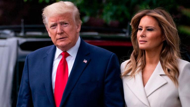 پرزیدنت دونالد ترامپ و بانوی اول آمریکا ملانیا ترامپ به کووید-۱۹ مبتلا (کردند/شدند)